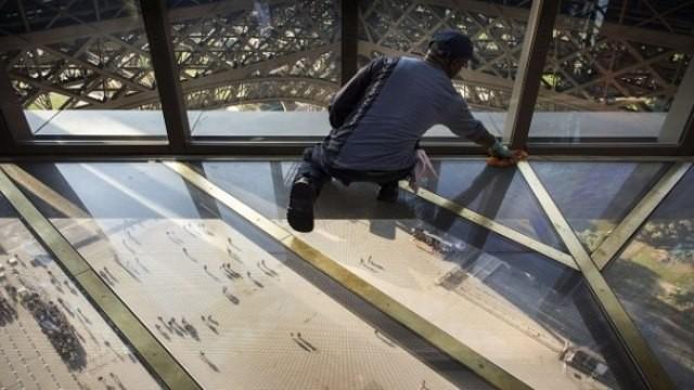 Eventi a parigi rinnovo del 1 piano della tour eiffel for Piano del telaio della finestra