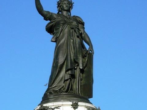 Statua Place de la République