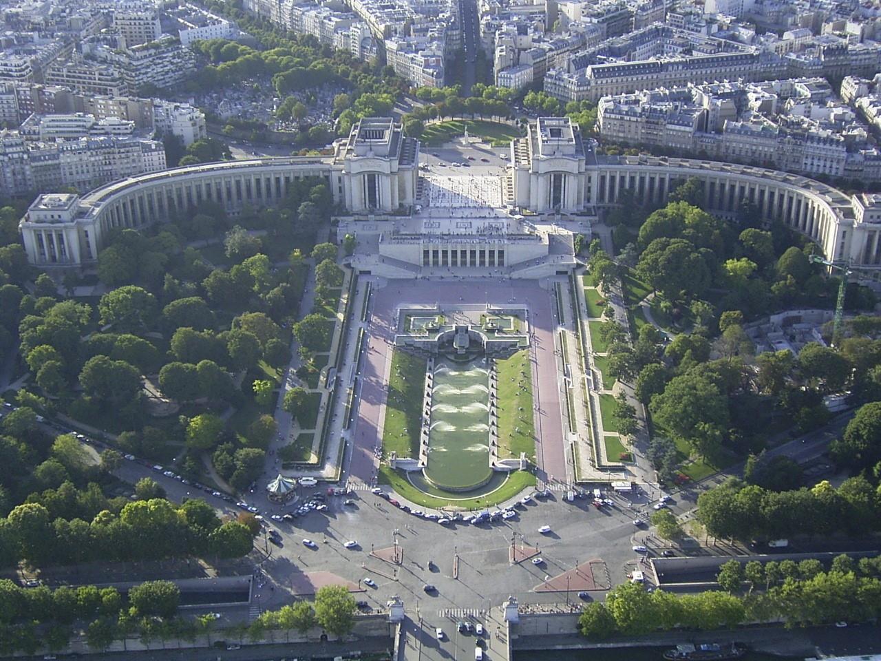 Giardini del trocadero a parigi e la famosa fontana di - Aquarium de paris jardin du trocadero ...