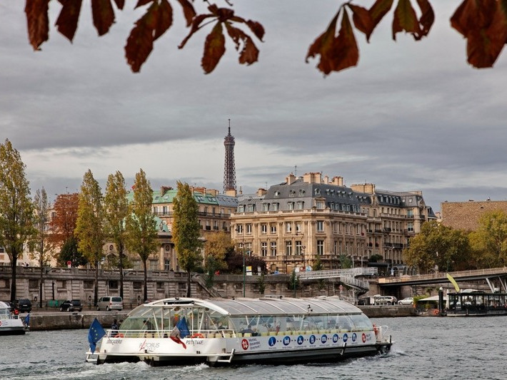Quais de Seine - Photo by Christophe Mouton ©