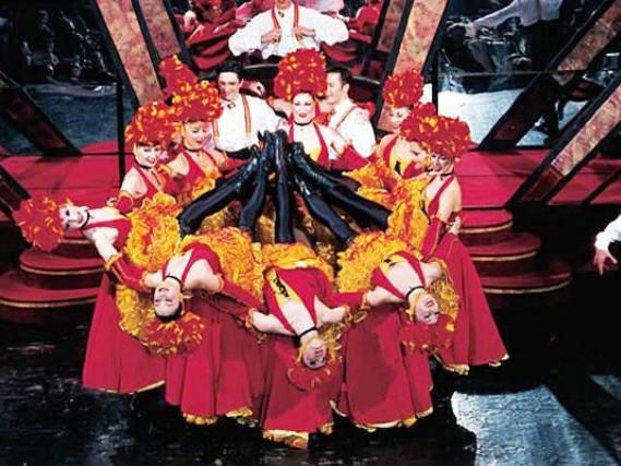 Video sui cabaret di Parigi, dal Moulin Rouge al Lido de Paris