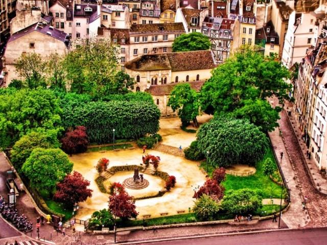 Square René Viviani - Montebello - Informazino turistiche
