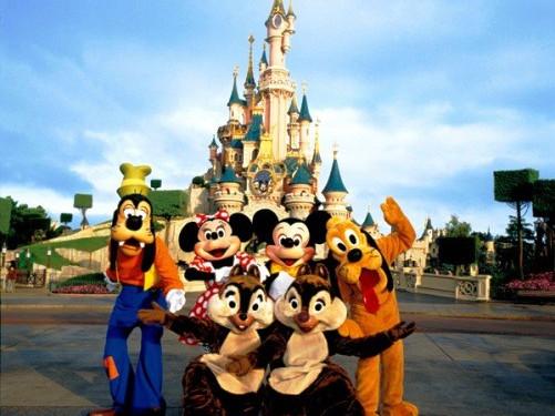 Video su Disneyland Parigi: informazioni e principali attrazioni