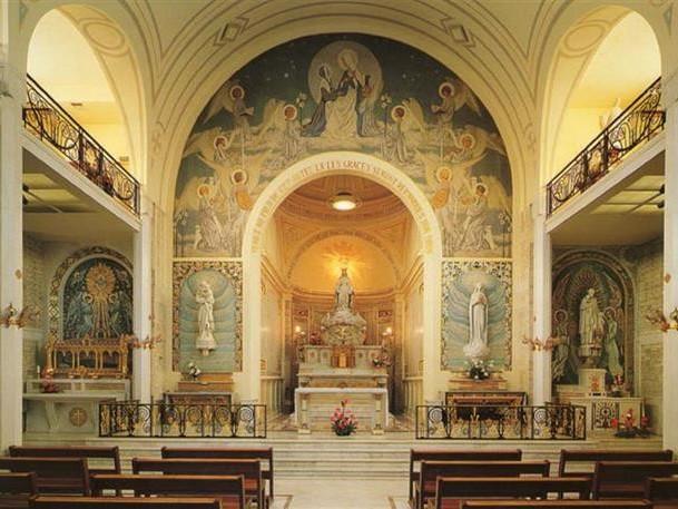 Visita la Cappella della Madonna della Medaglia Miracolosa Parigi