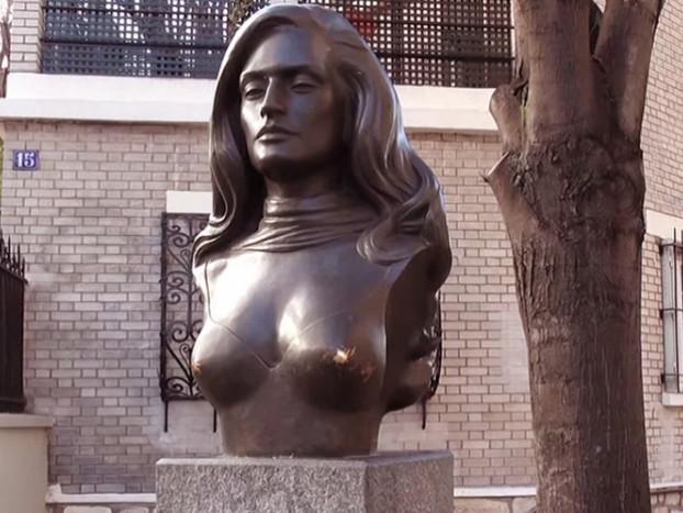 Il luoghi di Dalida a Parigi - la casa, la statua e la tomba della cantante