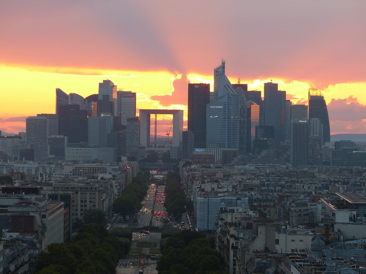 Visita il moderno Quartiere La Défense a Parigi - Parigi.it