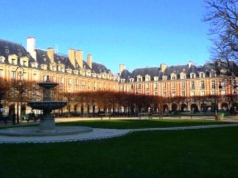 Place des Vosges a Parigi: Storia e curiosità